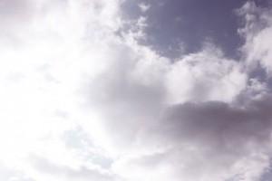 雲がたくさんのイメージ